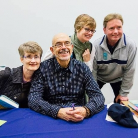 Withe the Shea sisters and Jim Moody @ UConn Co-op reading. (Tom Kaszuba photo)