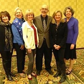 A huge turnout in Phoenix for a charity luncheon with fellow writers Delia Ephron, Linda Fairstein, Kathy Reichs, Lisa Scottoline, Meg Wolitzer and me. Great ladies all, and wonder