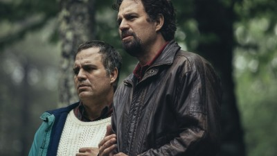 Via movie magic, Mark Ruffalo plays both Dominick Birdsey and his mentally troubled identical twin, Thomas.
